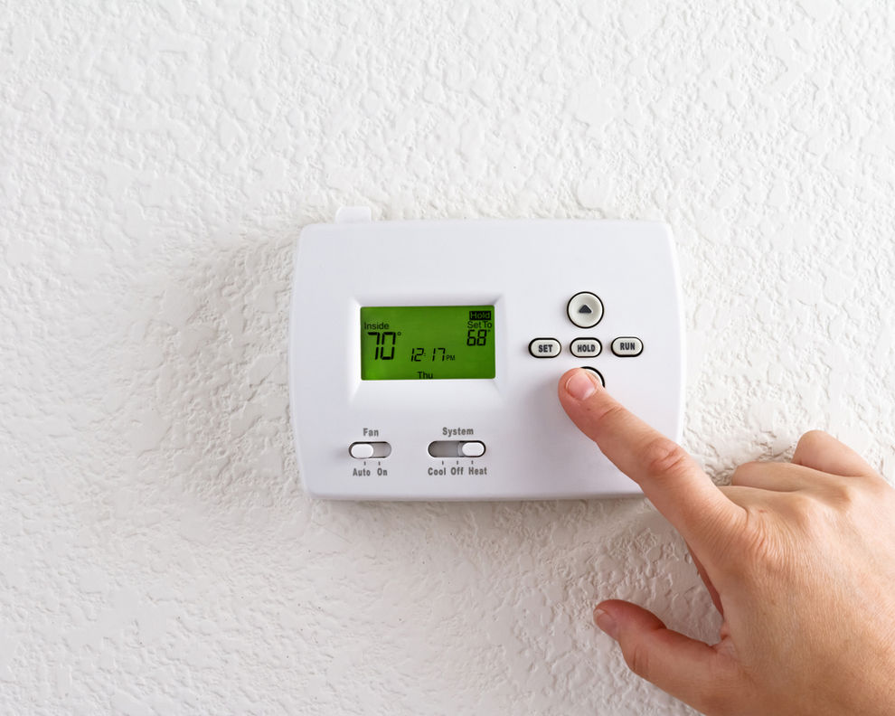 Indoor Thermostat for Heating and Cooling in San Diego